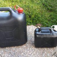 Gebrauchte Benzinkanister ( 20 Liter / 5 Liter ) zu verkaufen